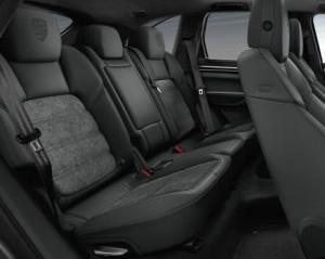 hàng ghế sau của Porsche Cayenne 2017