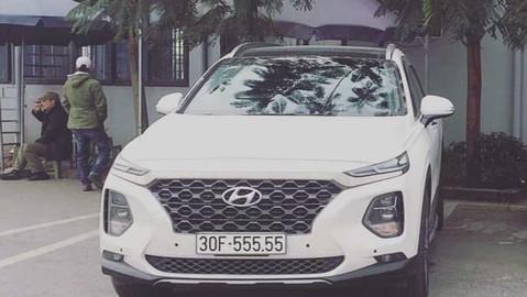 """Hyundai Santa Fe 2019 biển """"ngũ quý 5"""" đang gây xôn xao trên mạng xã hội được rao bán 2,5 tỷ đồng"""