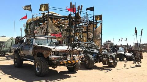 Ngắm những chiếc xe phong cách hậu thảm họa, điên rồ chỉ có ở Wasteland Weekend 2019