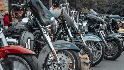 Dàn xe mô tô phân khối lớn tiền tỷ của biker Hà Nội họp mặt đầu năm khiến nhiều người trầm trồ