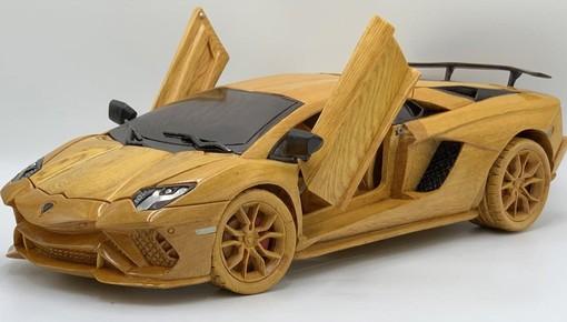 Theo dõi thợ mộc Việt tài tình chế tác một chiếc Lamborghini Aventador S