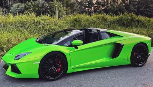 Đã tai với âm thanh V12 kết hợp ống xả độ trên Lamborghini Aventador mui trần khi tăng tốc tại Sài thành