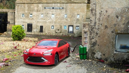 Đây là chiếc Toyota Mirai chạy bằng hydro bé nhỏ nhất thế giới