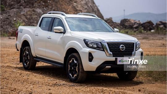"""Nissan Navara 2021 - Thách thức """"Vua bán tải"""""""
