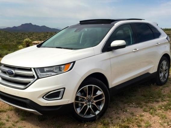 Đánh giá xe Ford Edge 2017: Mẫu ô tô 2 hàng ghế rộng dành cho nhà 5 người
