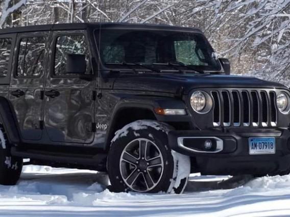 Đánh giá nhanh xe Jeep Wrangler 2018: Ngoại thất đẹp mắt, nội thất hiện đại hơn xưa