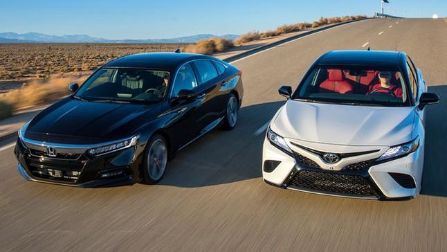 So sánh xe Honda Accord 2018 và Toyota Camry 2018: Cuộc chiến của hai lão tướng sau khi biến đổi
