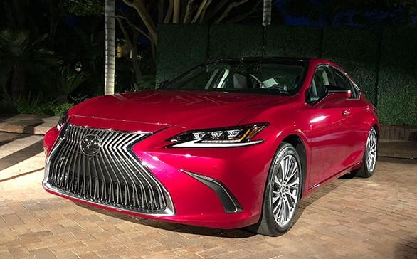 Đánh giá nhanh Lexus ES 2019: Dài, rộng và nhiều công nghệ hơn