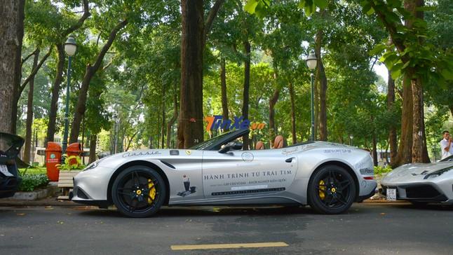 Đánh giá nhanh siêu xe mui trần Ferrari California T của ông Đặng Lê Nguyên Vũ