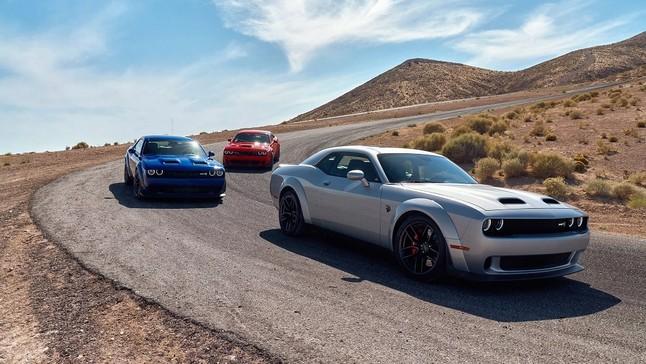 """Đánh giá nhanh các bản trang bị của """"xe cơ bắp"""" Dodge Challenger 2019"""