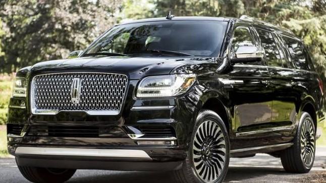 """Đánh giá nhanh Lincoln Navigator 2018: Xứng danh """"du thuyền trên cạn"""" của người Mỹ"""
