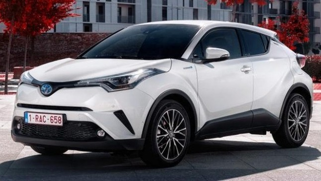 Đánh giá Toyota C-HR 2018 bản Mỹ: SUV cỡ B dành cho người thích đẹp và công nghệ