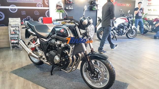 Đánh giá nhanh Honda CB1300 Super Four 2018 bản kỷ niệm 25 năm, giá 400 triệu đồng