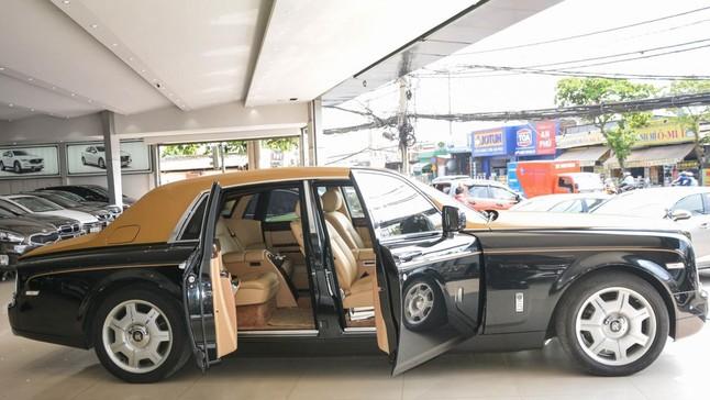 Đánh giá nhanh Rolls-Royce Phantom Series II màu độc đang tìm chủ nhân mới