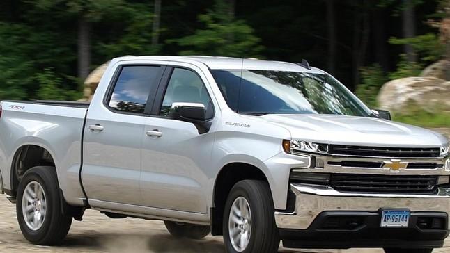 Đánh giá nhanh Chevrolet Silverado 2019 bản Mỹ: Đẹp hơn, khỏe hơn so với đời trước