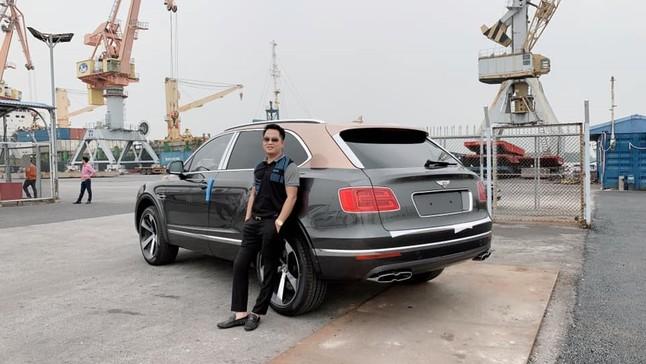 Bentley Bentayga V8 đầu tiên về Việt Nam đã được doanh nhân quận 12 tậu ngay lập tức