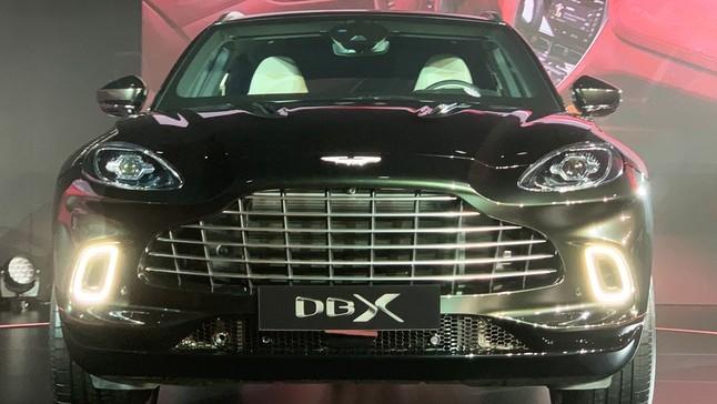 Đánh giá nhanh Aston Martin DBX 2020: SUV hạng sang mới cho giới nhà giàu