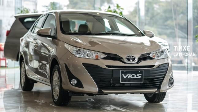 Toyota Vios E CVT 2020 hấp dẫn hơn bao giờ hết nhờ trang bị gần bằng bản cao cấp nhất