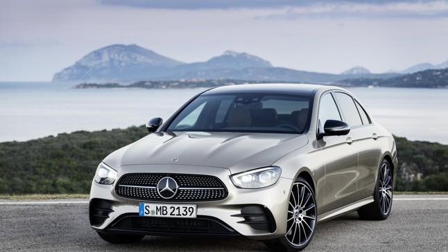 """Đánh giá nhanh Mercedes-Benz E-Class 2021: Đã sang càng thêm """"xịn"""" với thiết kế, công nghệ và động cơ mới"""