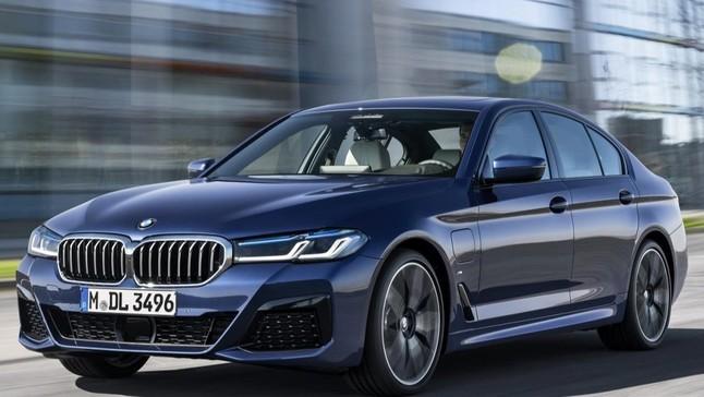Đánh giá nhanh BMW 5-Series 2021: Nâng cấp cả thiết kế lẫn công nghệ