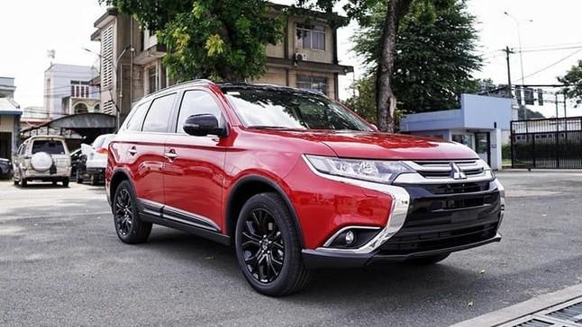 """Đại lý """"xả"""" Mitsubishi Pajero Sport với giá giảm tới 200 triệu đồng, rẻ ngang Honda HR-V"""