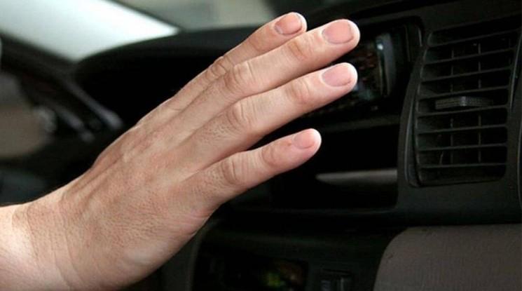 Cần làm gì khi điều hòa ô tô không mát hoặc lâu mát?