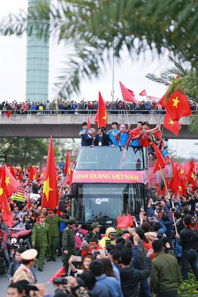 Đội tuyển bóng đá Việt Nam sẽ tiếp Malaysia trên sân vận động Mỹ Đình vào ngày mai 10/10