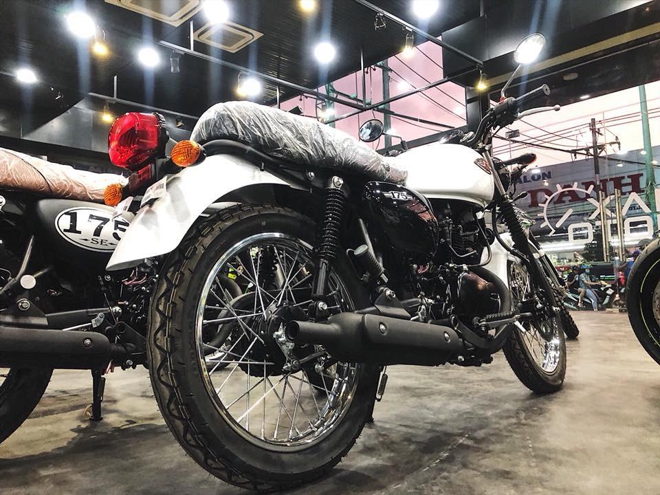 Kawasaki W175 với vành nan phanh trống cổ điển