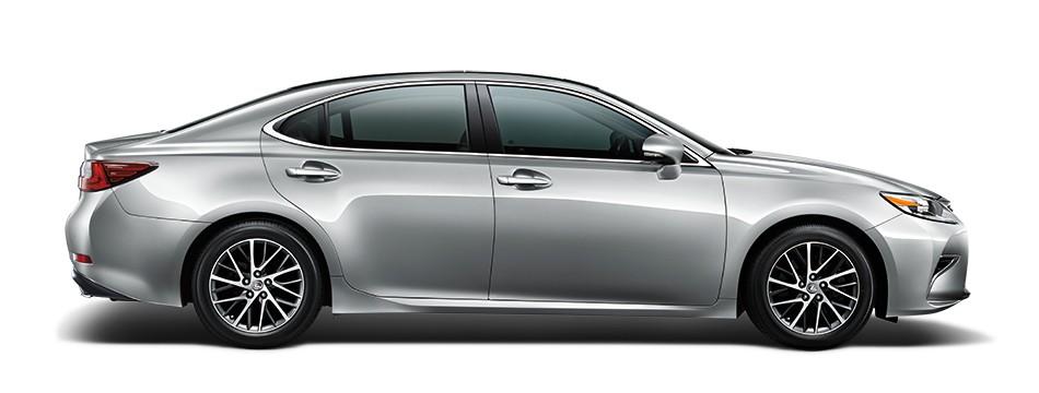 Mẫu Lexus ES màu bạc