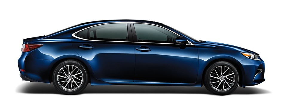 Mẫu Lexus ES màu xanh