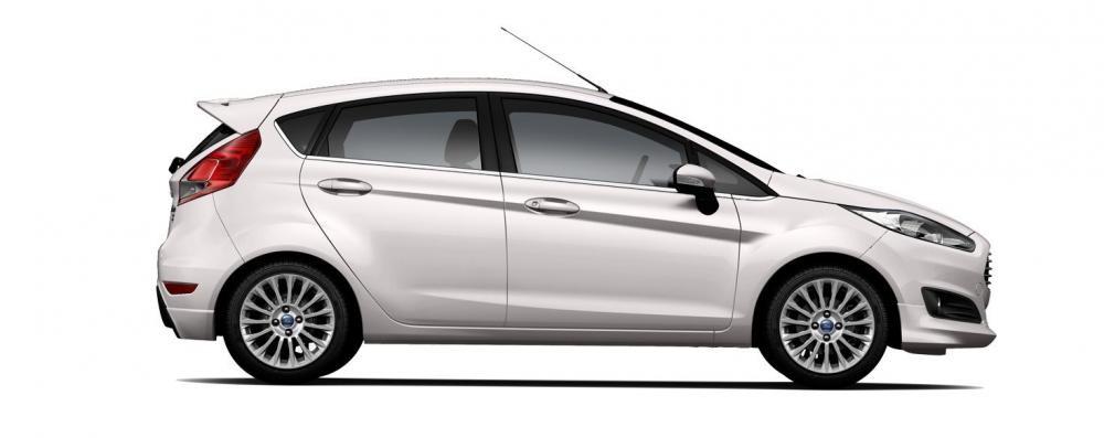 Mẫu Ford Fiesta màu trắng