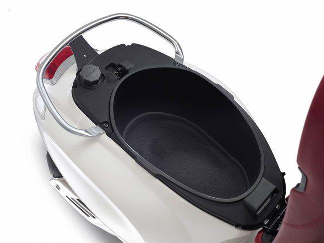 Thiết kế cốp xe Vespa Primavera