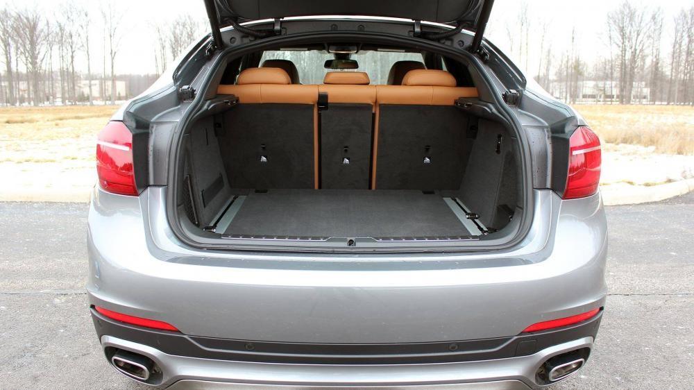 Khoang hành lý của BMW X6