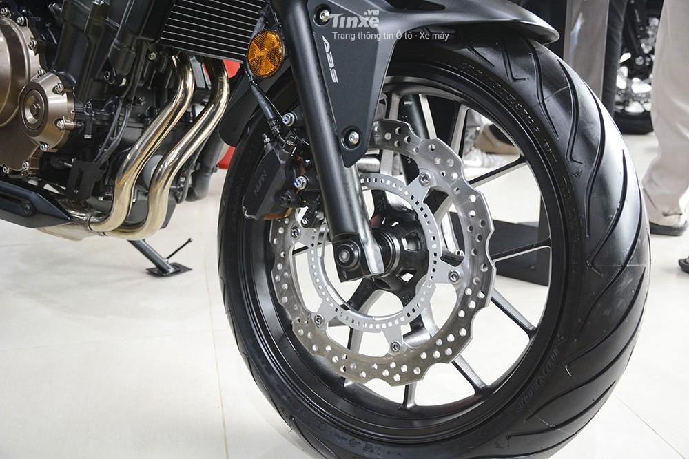 Trang bị Hệ thống treo trước của Honda CB500F 2018