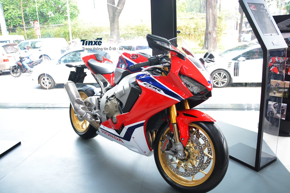 Thiết kế ngoại hình Honda CBR1000RR FireBlade SP