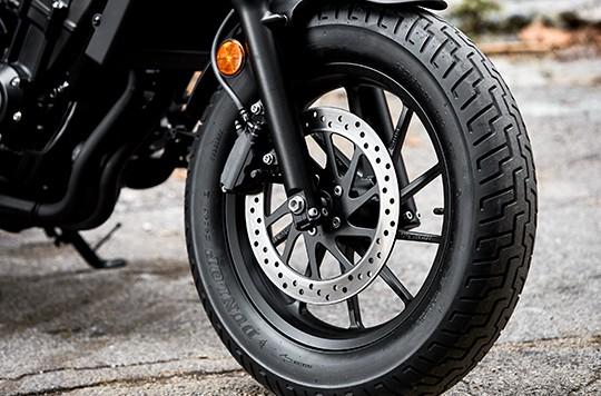 Trang bị bánh xe Honda Rebel 300