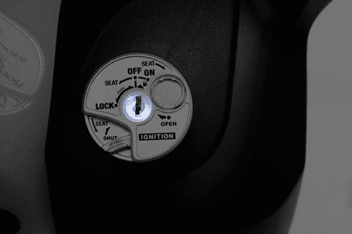 Xe Yamaha Acruzo được trang bị ổ khóa đa năng