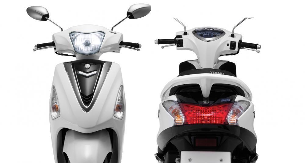 Xe Yamaha Acruzo nhìn từ phía trước và phía sau