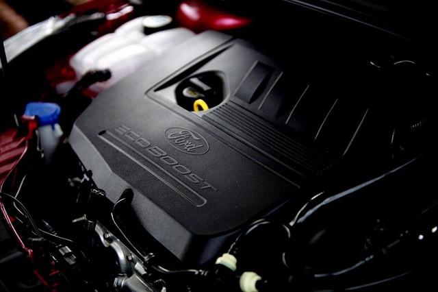 Trang bị động cơ của Ford Focu