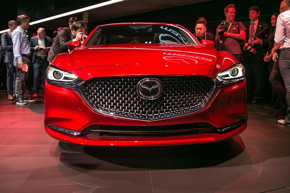 Đầu xe của Mazda6