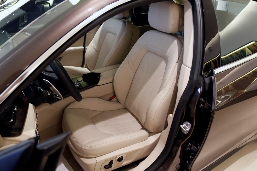Thiết kế nội thất Maserati Quattroporte