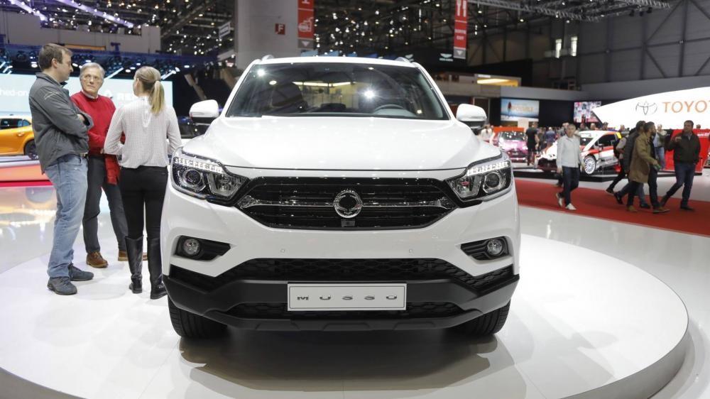 Trong bảng giá xe Ssangyong 2019, mẫu xe Rexton hiện có giá 1,45 tỷ Đồng