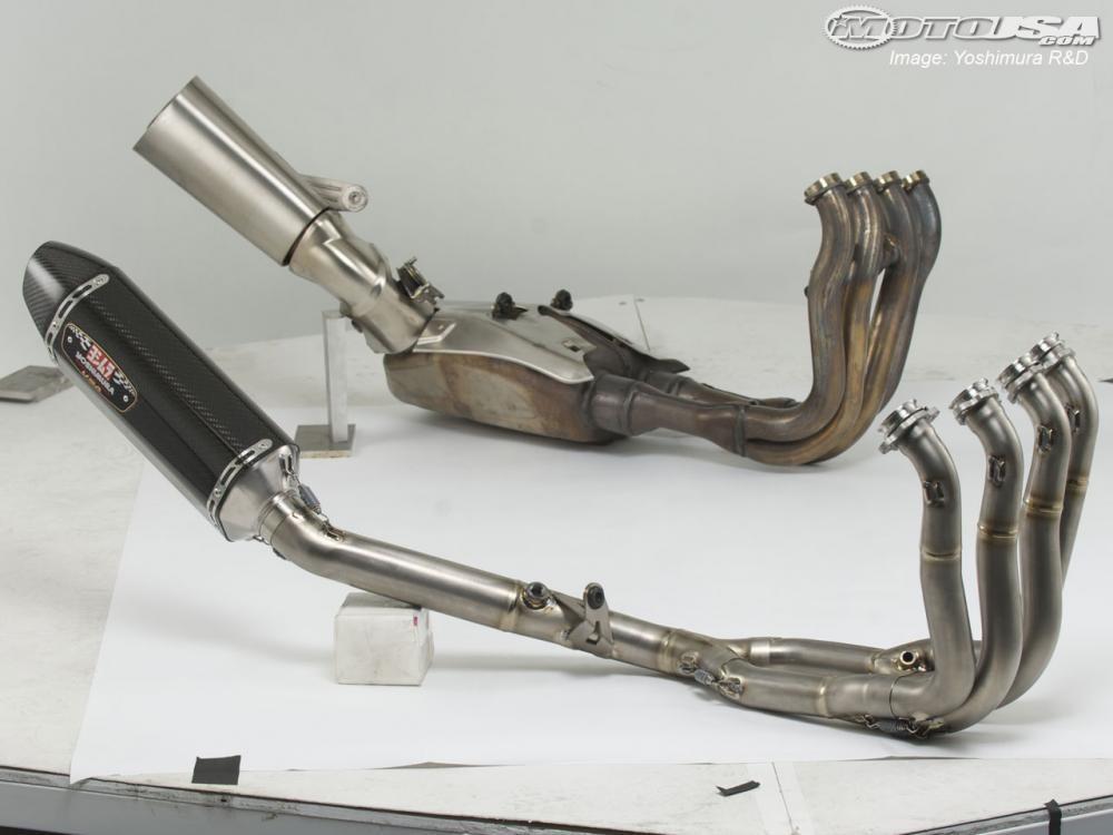 Hệ thống ống xả nguyên bản (trên) và hệ thống ống xả độ (dưới)