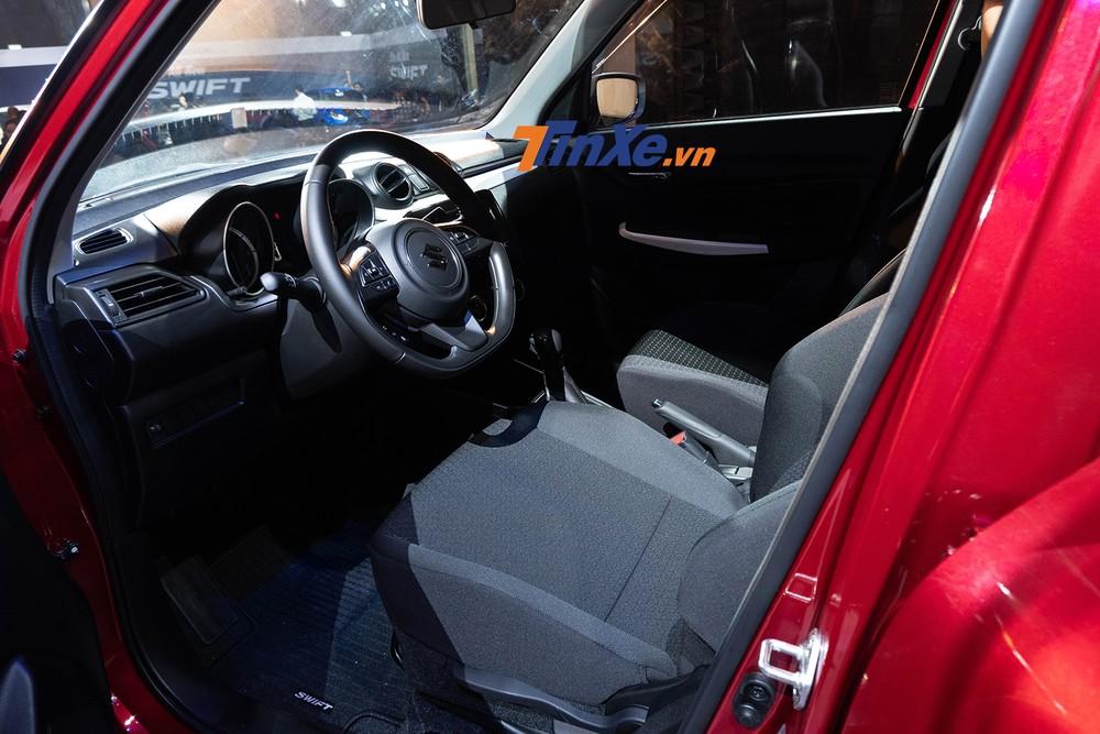 Ghế của Suzuki Swift 2019 chỉ được bọc nỉ
