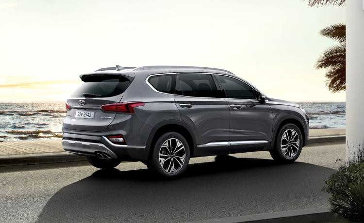 Hyundai Santa Fe 2019 màu bạc