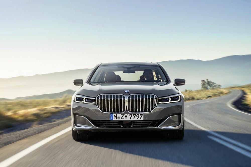 BMW 7-Series 2020 được trang bị lưới tản nhiệt cỡ lớn và gây tranh cãi không ít