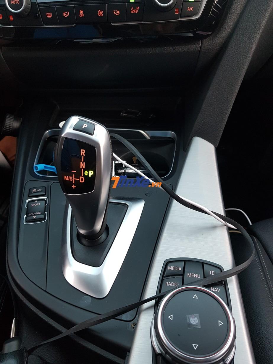 Khối động cơ trên BMW 330i B48 sẽ đi kèm với hộp số Steptronic