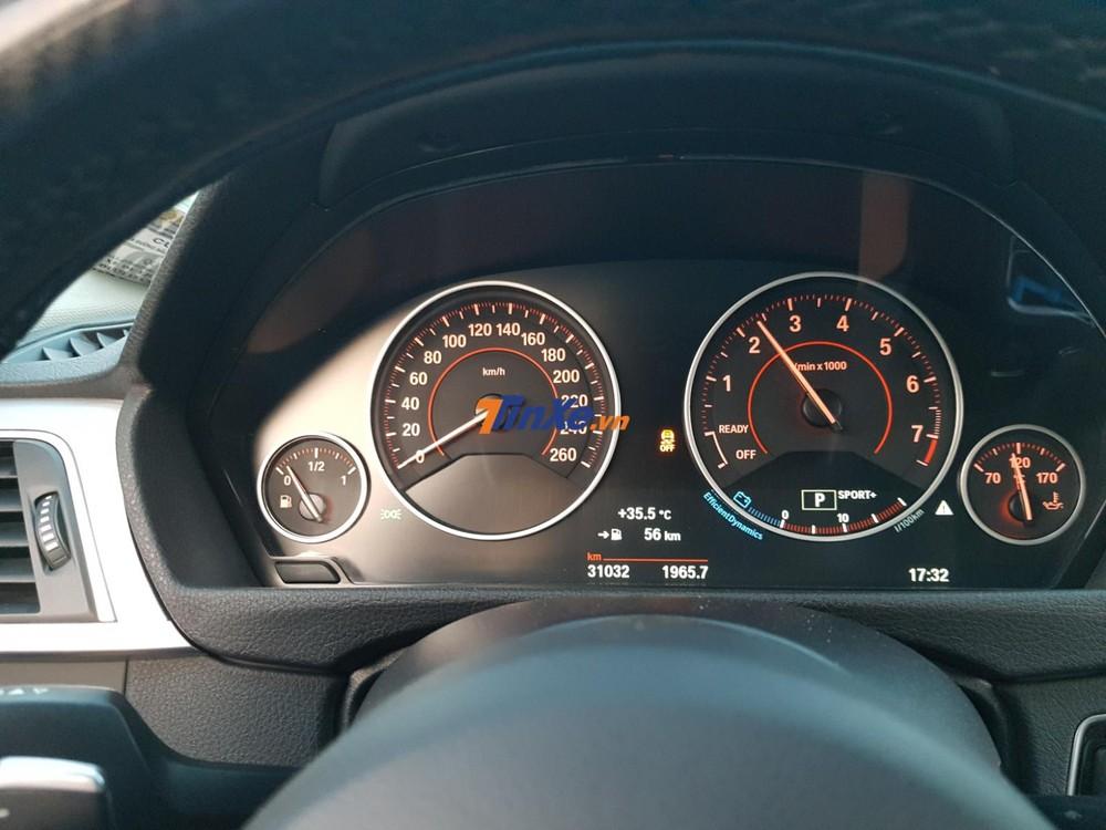 BMW 330i B48 được trang bị khối động cơ xăng 4 xi-lanh, dung tích 2.0 lít