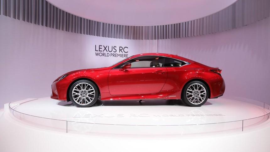 Lexus RC được đánh giá là mẫu xe sở hữu vẻ ngoài sang trọng và quyến rũ
