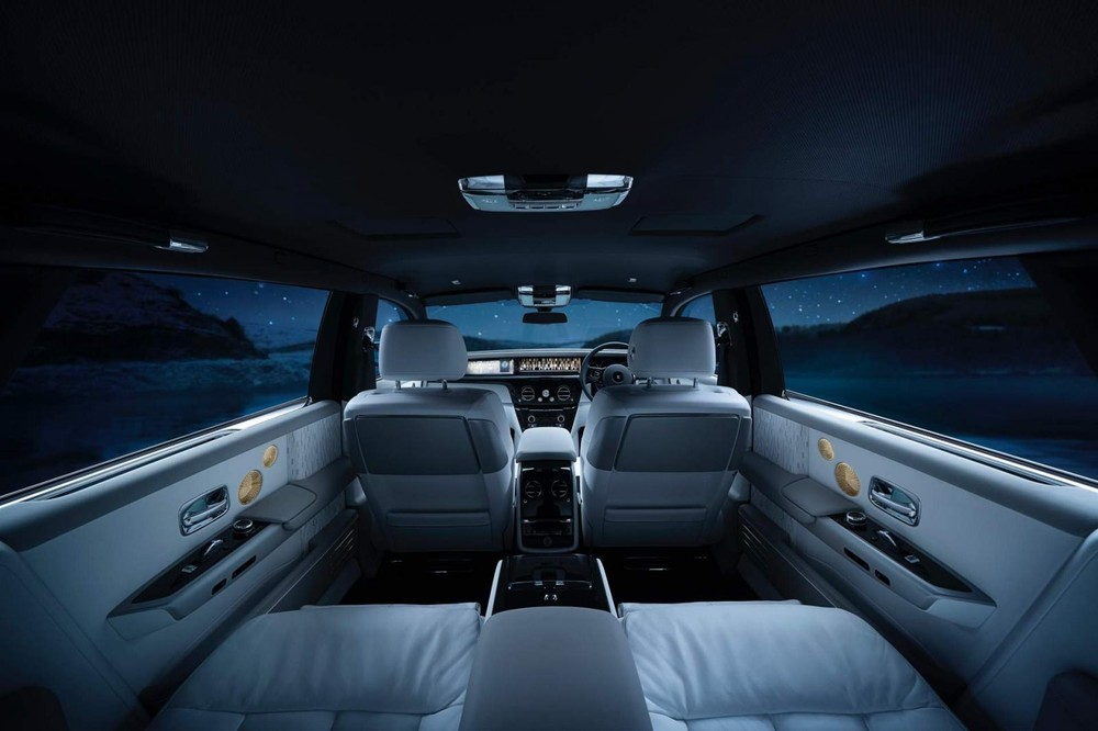 Nội thất của Rolls-Royce Phantom Tranquility lúc tối